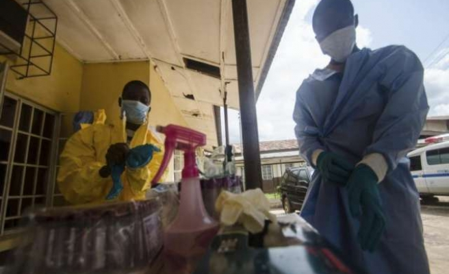 Ebola areas blockaded in Sierra Leone, Liberia declares emergency