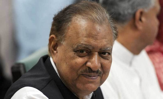 Pakistani president hails 'strong ties' with Turkey