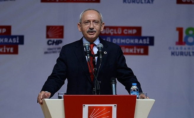 CHP dissidents submit signatures for congress