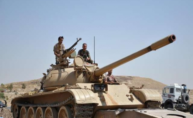Iraqi security forces and Kurds gain ground against ISIL
