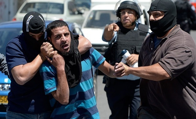 Clashes in W. Bank as Israel raids Palestinian cities