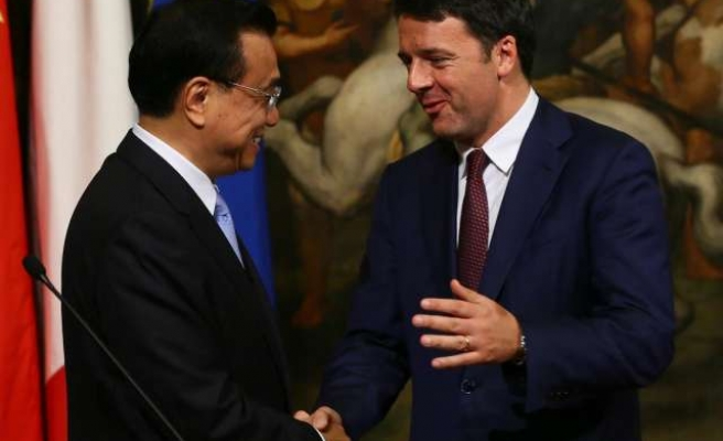 Italy and China sign business deals worth $10 bln