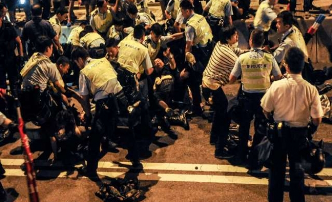 Amnesty calls for release of pro-HK activists
