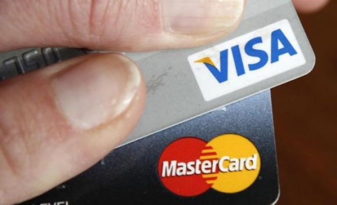 Turkey limits installment plans for credit cards, loans