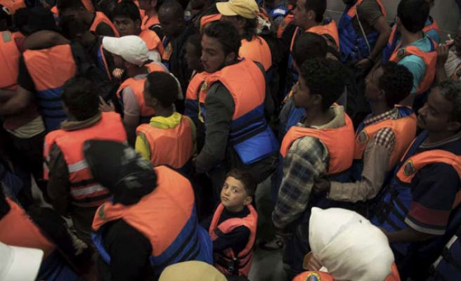 Nearly 90 irregular migrants held in Turkey