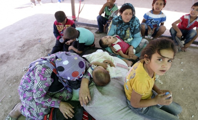 UN: More than 90,000 people fleeing violence in Anbar