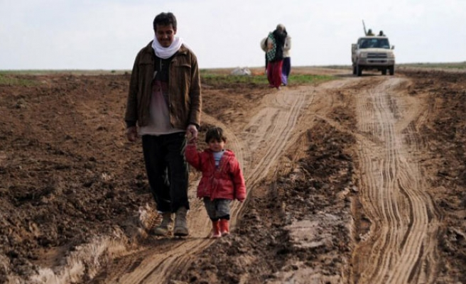 Hundreds of families under siege by ISIL in Iraq's Ramadi