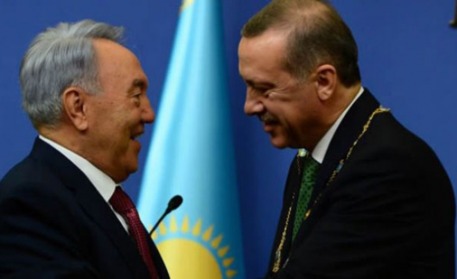 Kazakhstan, Turkey presidents discuss cooperation over phone