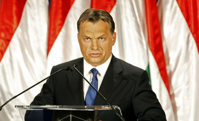 Hungary PM: build work camps for immigrants
