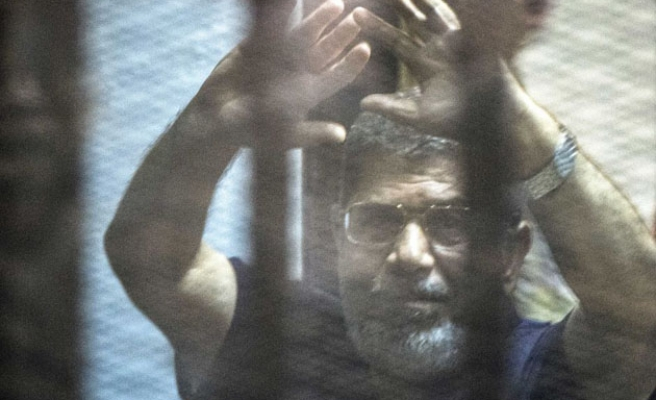 Defense lawyer of Egypt's Morsi says 'can't meet him'