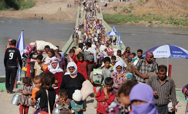 Number of displaced Iraqis reaches three million