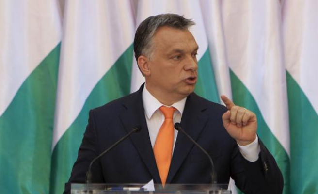 Hungarians vote in keenly-watched poll