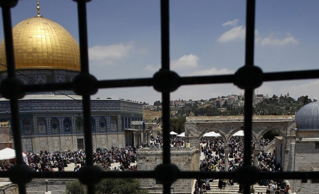 Muslims pray third Ramadan Friday prayer at Al-Aqsa