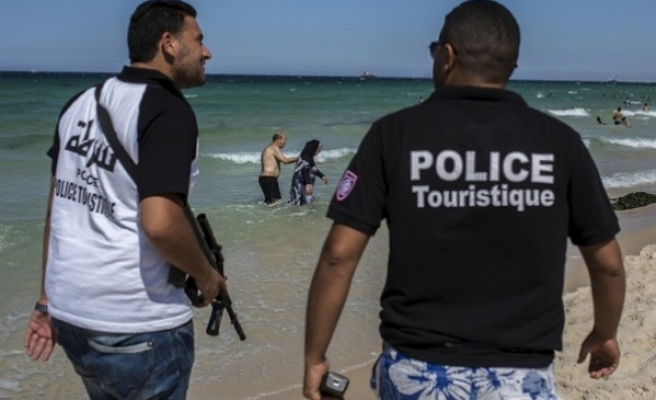 Morocco bans youth travel to Tunisia