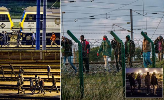 2,000 migrants tried to enter Channel Tunnel in France