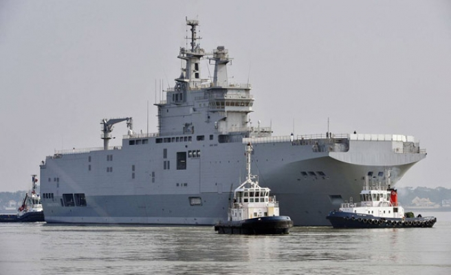 China says US warship entered its waters 'without permission'