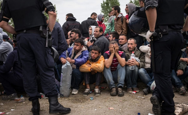 Trapped refugees face Balkan winter hell