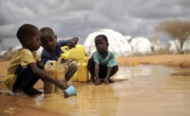 Cholera kills 10 Somalis in world's largest refugee camp