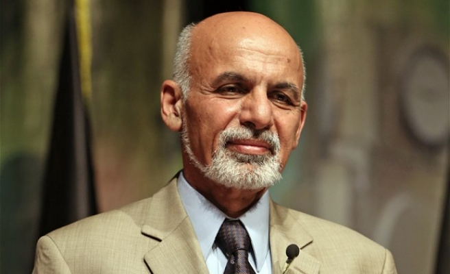 Afghan president meets Pakistan's army chief