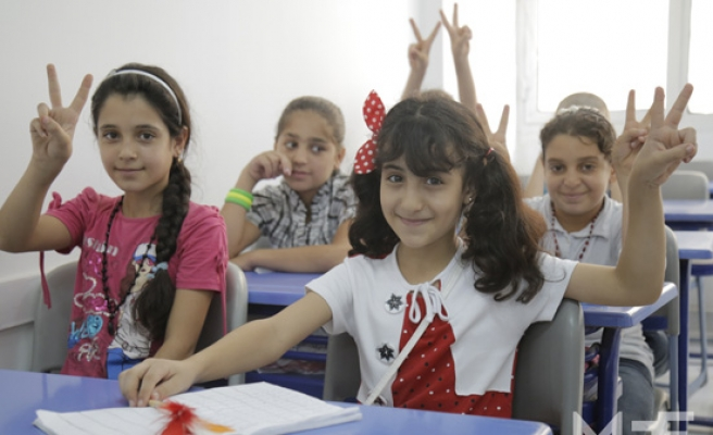 Thousands of Syrian kids to learn Turkish in Istanbul