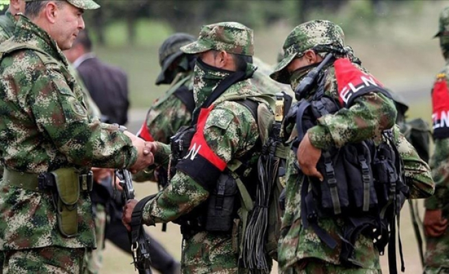 Colombia, ELN guerrillas announce peace talks