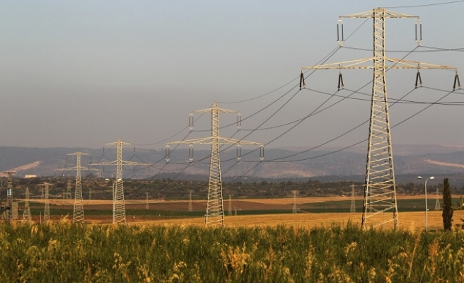 Israel to reduce power to Palestinian city over debt