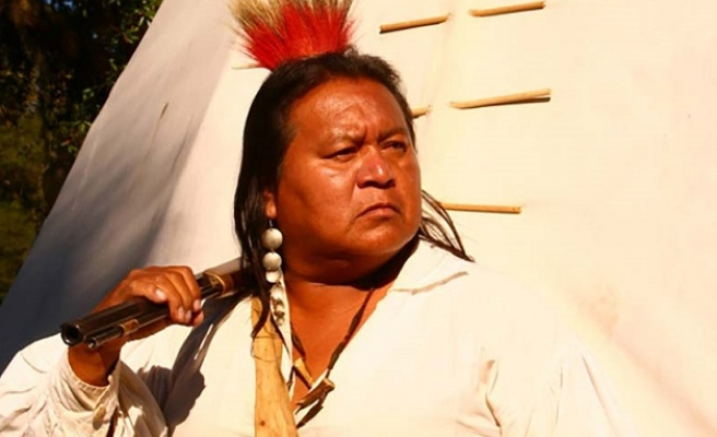 Native Americans offer amnesty to 240mn illegal immigrants