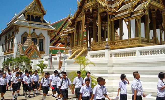 Thai junta to place 're-education camps' in Muslim south