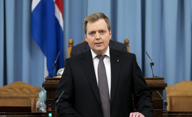 Panama Papers put Iceland on verge of crisis