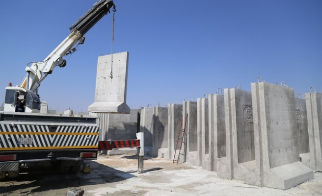 Nearly one-third of Turkey's wall along Syria complete
