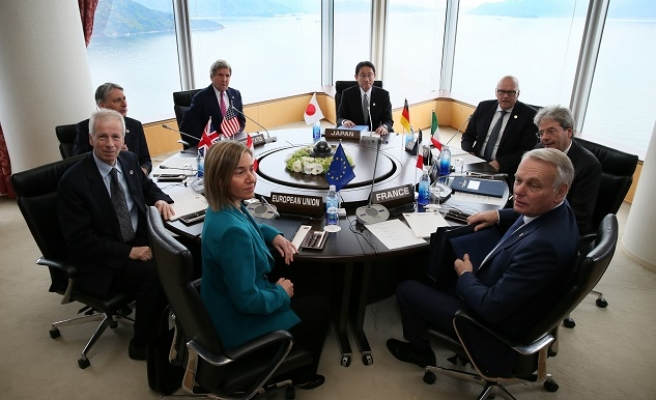 G7 backs intensified fight against ISIL