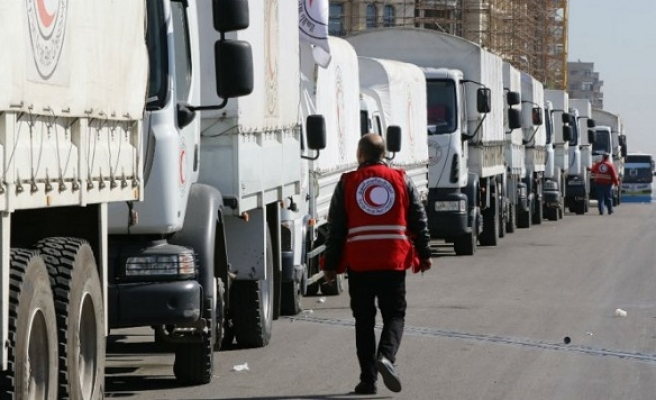 Turkish Red Crescent supplies aid packages to Afrin