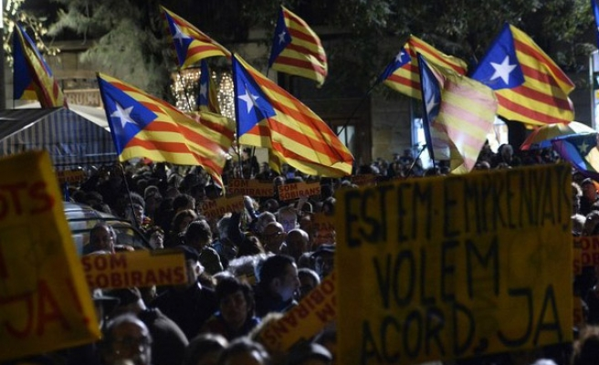 In southern Spain, concern and rejection of Catalan referendum