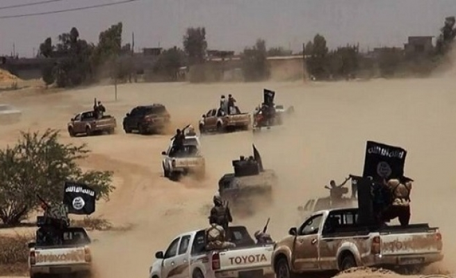 ISIL presses assault on Syria opposition territory
