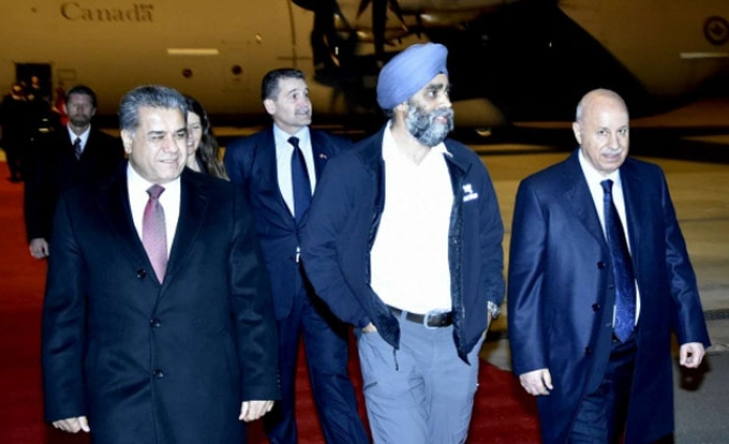 US, Canadian defense ministers arrive in Baghdad