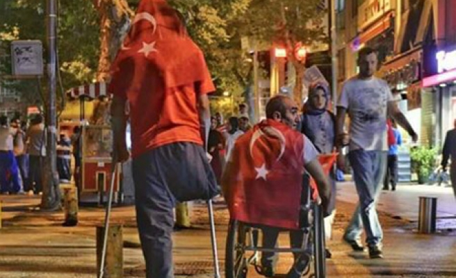 Failed Turkish coup in dramatic pictures