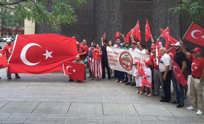 US Turks, Muslims in Boston protest coup attempt