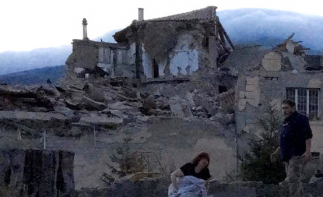 Earthquake, 6.2 hits Italy, triggers red alert