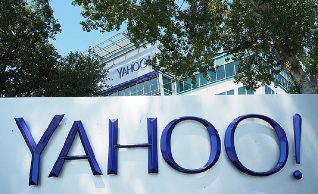 Yahoo accused of scanning emails for US government