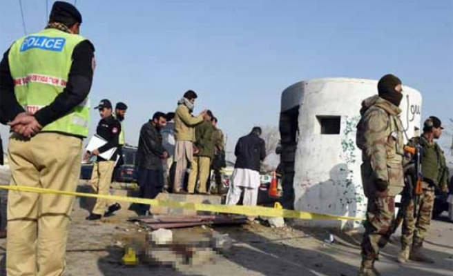 Suicide attack kills 5 policemen in SW Pakistan