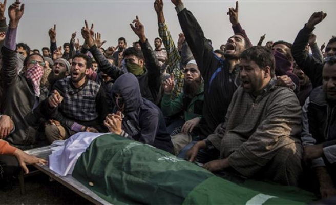 India uses excessive force in Kashmir, Amnesty says