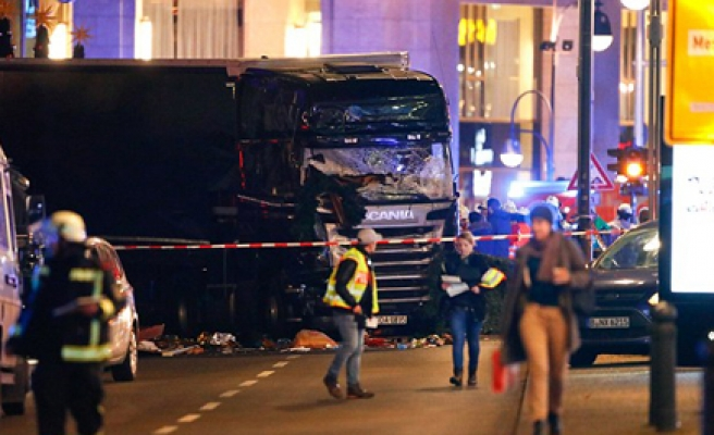 12 dead in Berlin Christmas market truck crash
