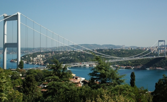 645 suicides prevented over Istanbul bridges in 3 years