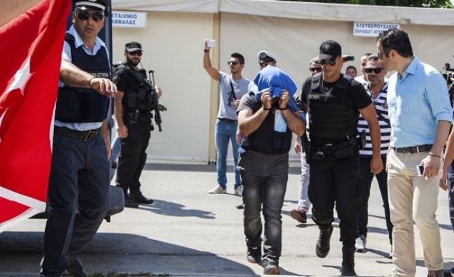 Greece refuses to extradite coup plotters to Turkey