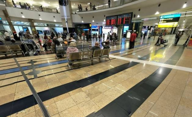 Robbers make off with millions from S. African airport
