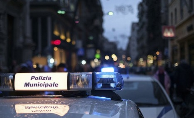 Italian police bust migrant trafficking ring in Sicily