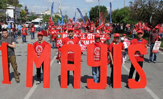 Tens of thousands of people across Turkey mark May Day