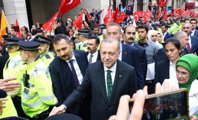 Turkish president hails strong relations with Britain
