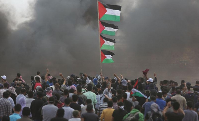 60 killed amid mass protests in Gaza