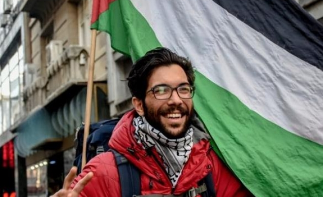 Israel bars pro-Palestine activist from crossing border